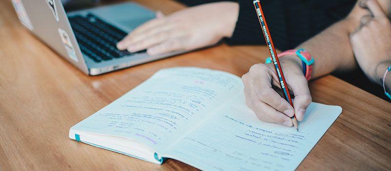 restaurant-market-research-notebook