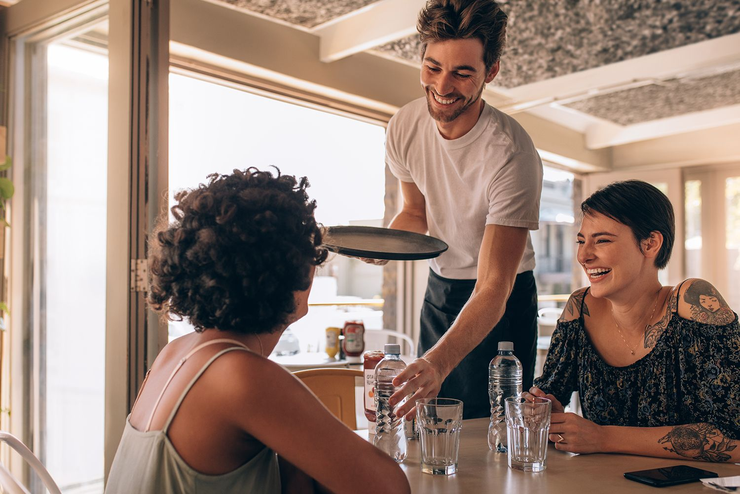 5 Ways to Create an Ideal Work Environment for Restaurant Employees