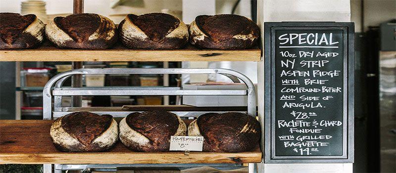 restaurant-bread-board